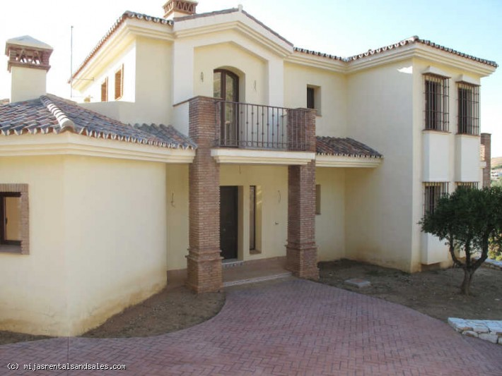 Luxury villa in Valtocado