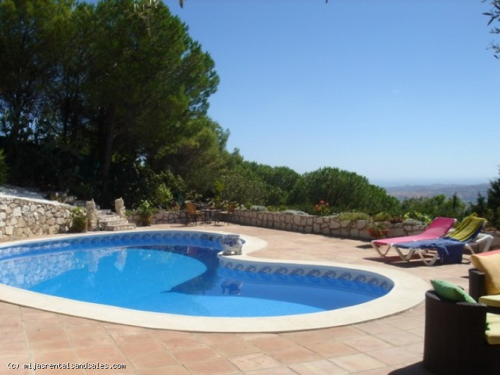 Villa for sale in Valtocado