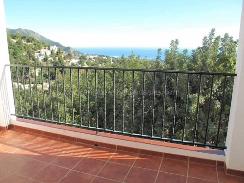 Unfurnished property for rent in Mijas