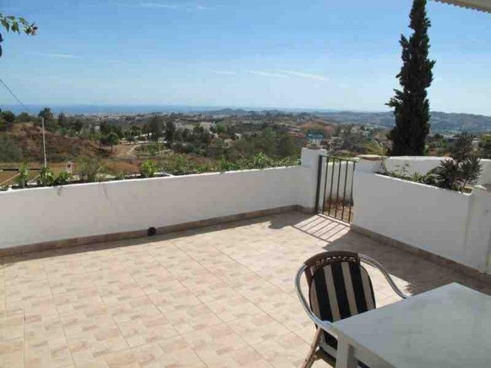 Two bedroom country house close to Mijas
