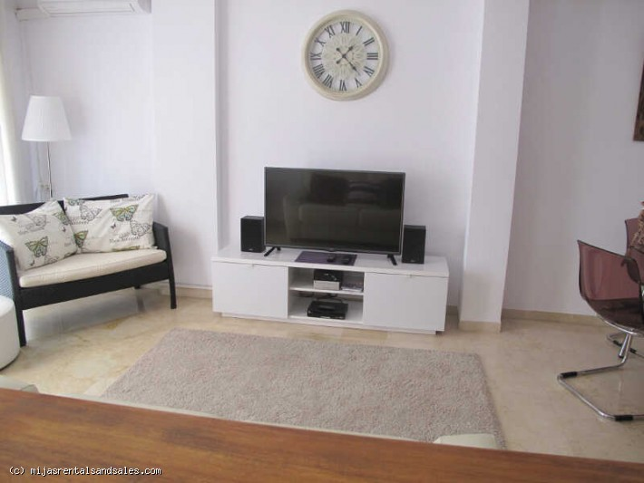 Central one bedroom apartment with sunny terrace