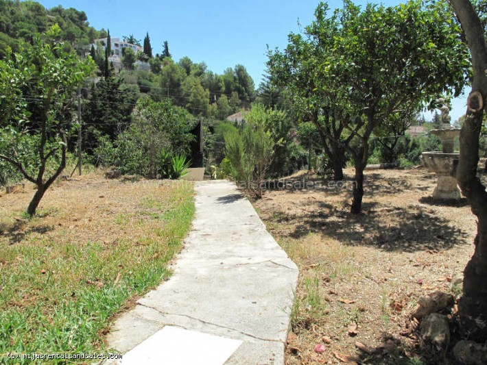 Ibiza style house walking distance to Mijas