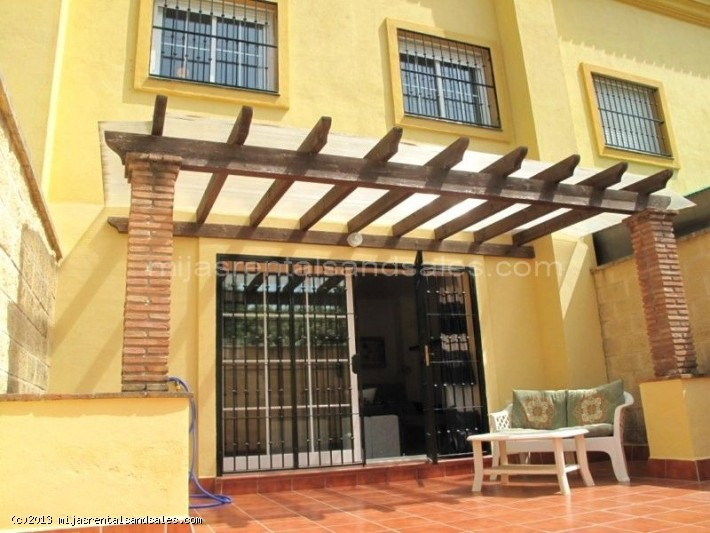 Spacious and modern Townhouse in Los Boliches