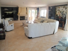 Just bellow the village in Mijas you will find this contemporary roman themed villa