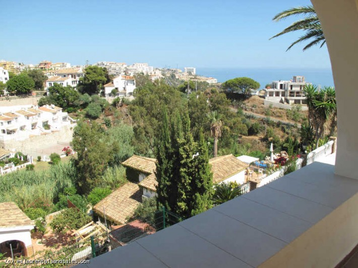 Detached villa walking distance to the beach