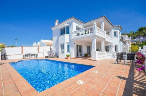 Villa for rent in Las Lomas de Mijas